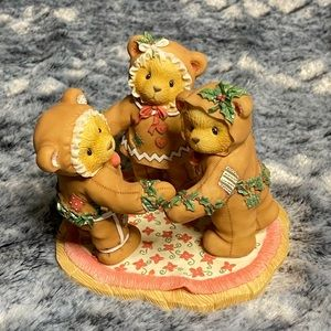 Cherished Teddies Holiday in circle